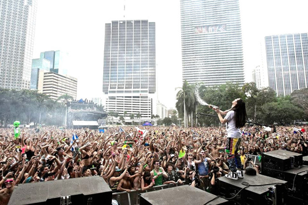 Steve Aoki – Ultra Music Festival Weekend 1 Live Set