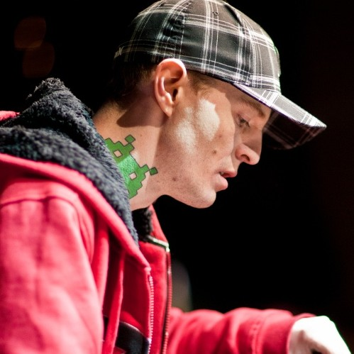 "Deadmau5 Lashes Back at Afrojack with ""DROP DA BOMB outerspace mix"""