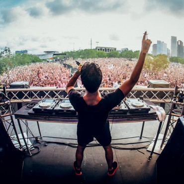 "Let The Good Vibes Roll With R3hab's Remix For Rita Ora's ""I Will Never Let You Down"""