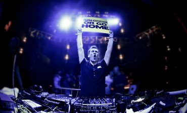 Hardwell Keeps #1 Spot On DJ Mag Top 100