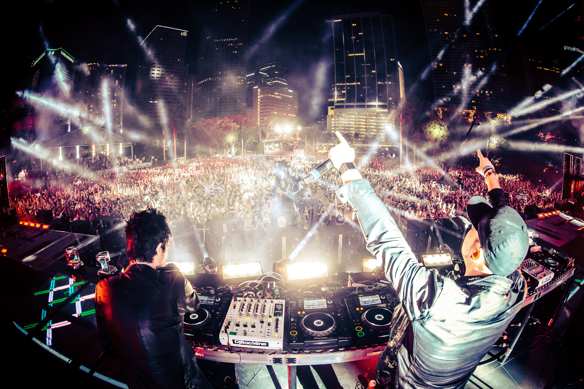Knife party mixes 15 songs into 5 minutes for Top 10 house songs
