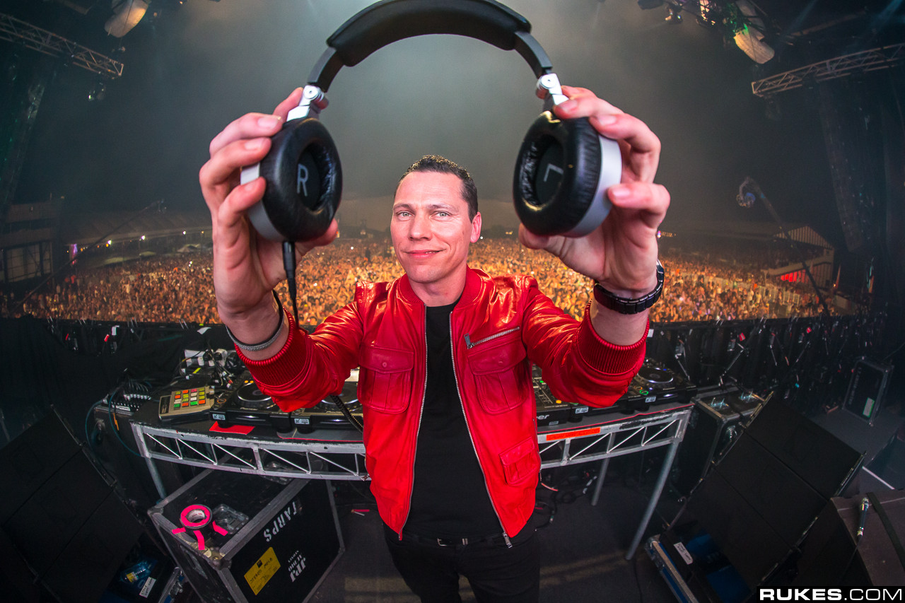 Tiesto clean bandit aphex twin win their first grammy for First house music