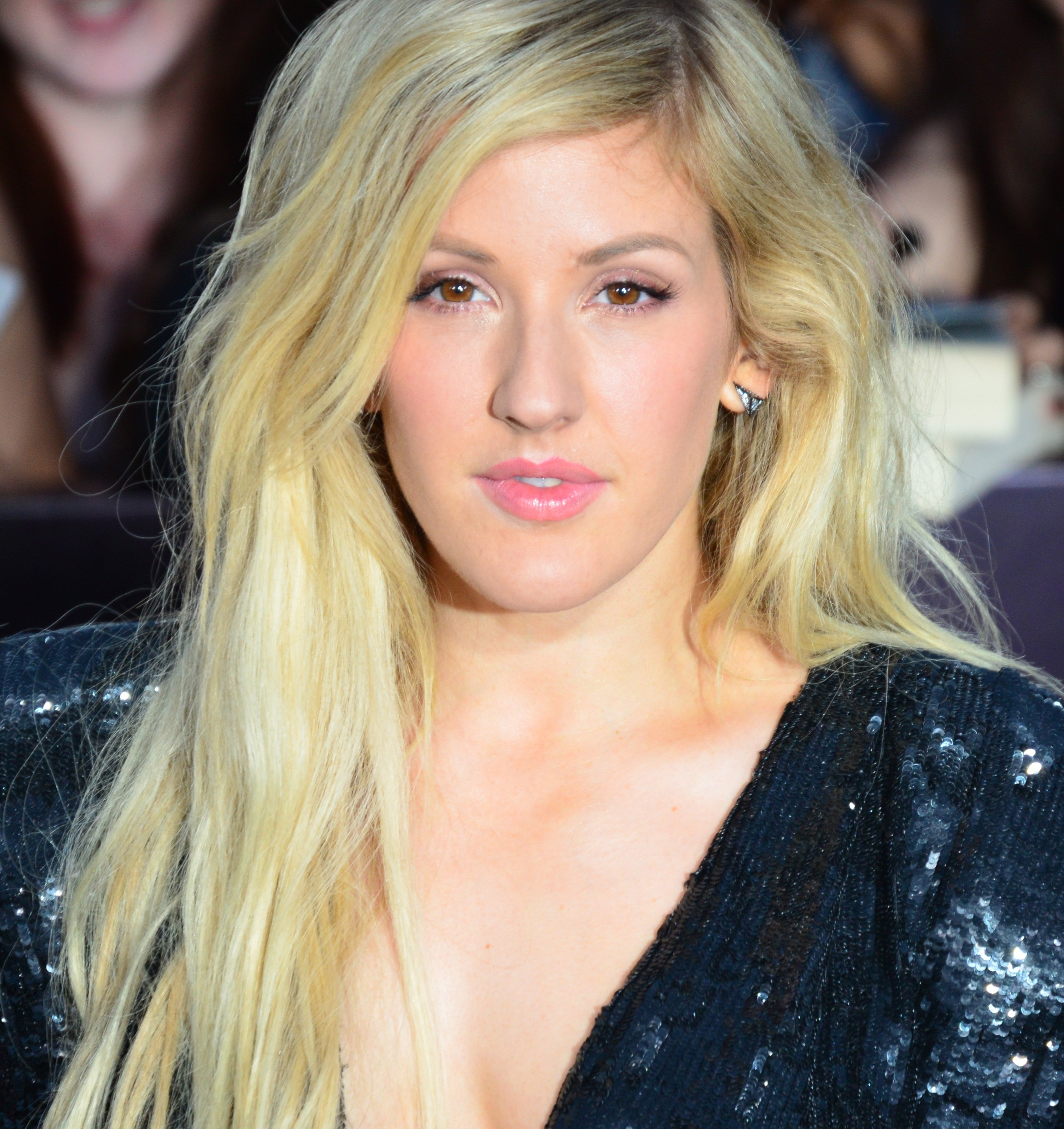 Ellie Goulding Jumps Off A Cliff Into The Almond Amp Samme