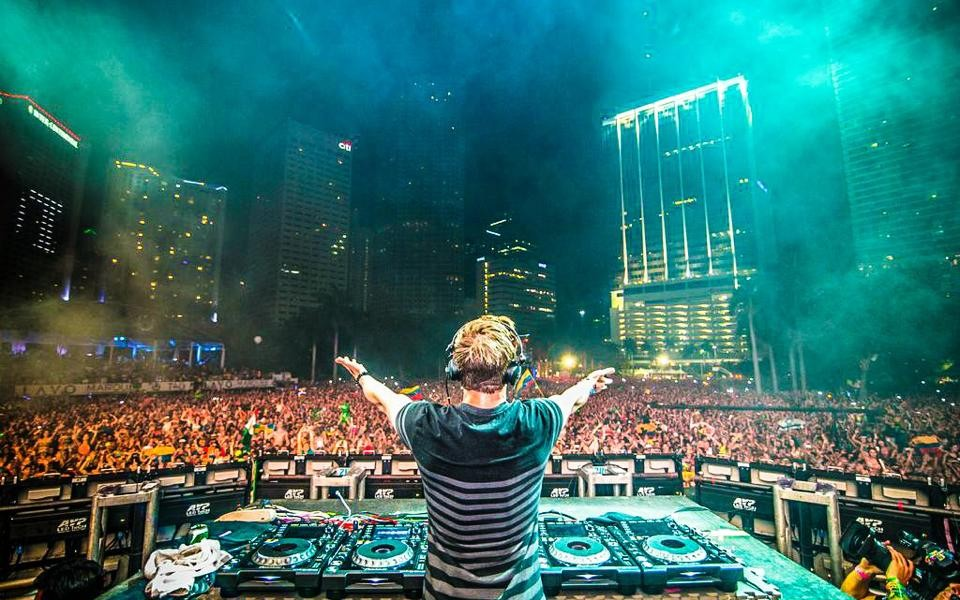 See miami from the view of the 1 dj in the world with hardwell 360 see miami from the view of the 1 dj in the world with hardwell 360 experience altavistaventures Image collections