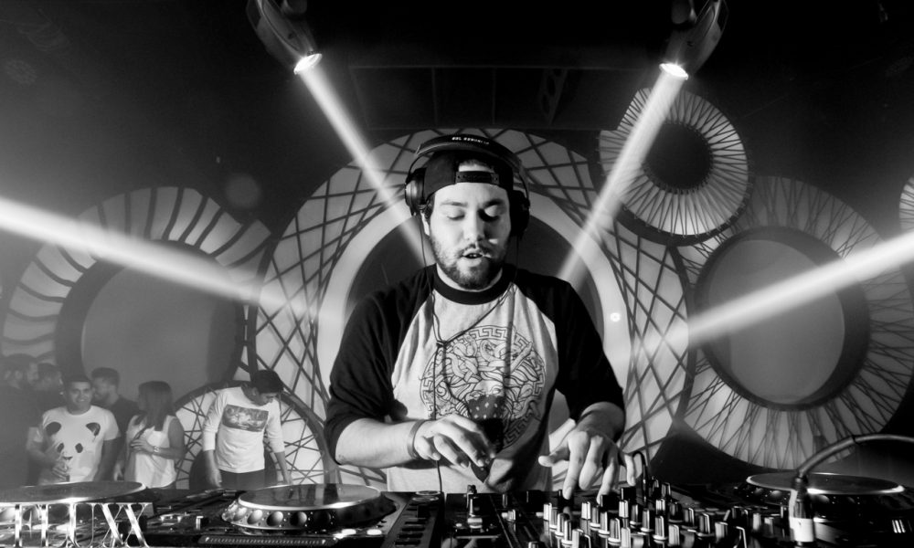 Deorro And Elvis Crespo Strike Gold With Quot Bailar