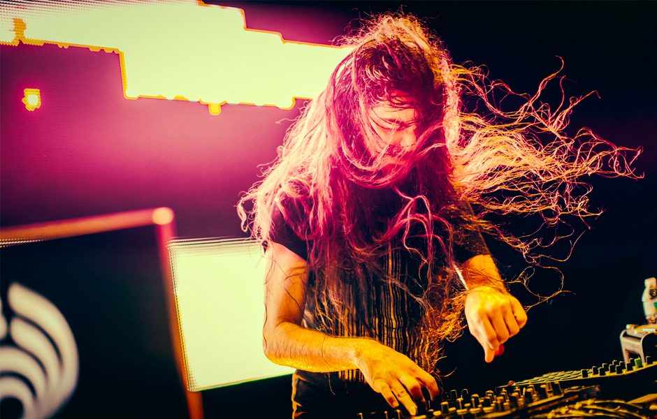 """Bassnectar Reveals Official Music Video For """"Reaching Out"""""""